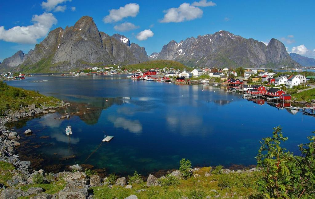Reine Rorbuer Leknes Book Your Hotel With Viamichelin
