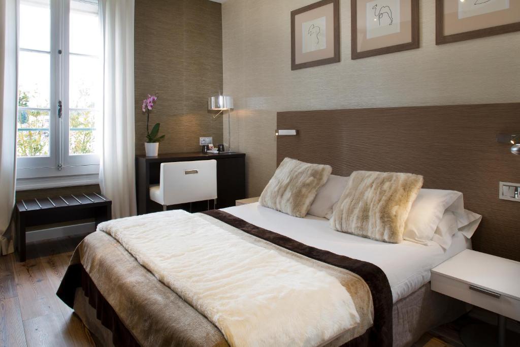 Hotel des arceaux r servation gratuite sur viamichelin for Chambre hotel reservation