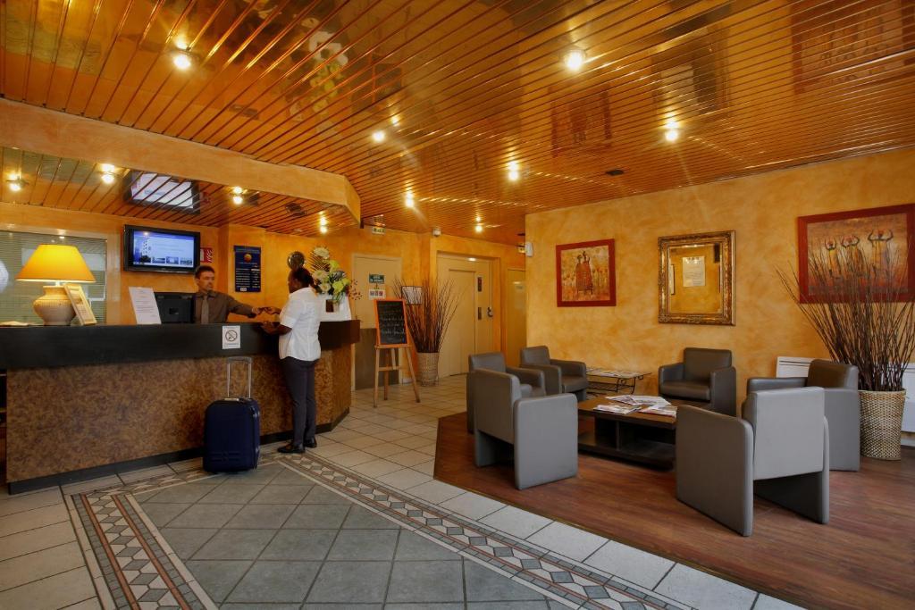 h tel gallieni villeneuve la garenne reserva tu hotel con viamichelin. Black Bedroom Furniture Sets. Home Design Ideas