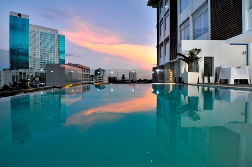 Wellcome hotel cebu city book your hotel with viamichelin Hotels in cebu city with swimming pool