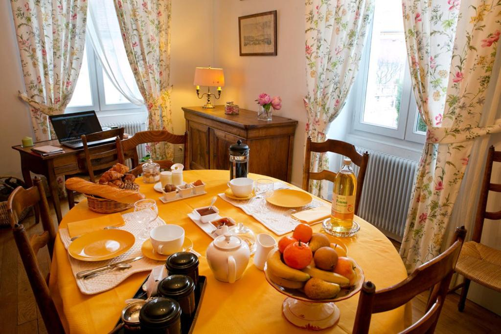 Bed breakfast chambre d 39 hotes charmois frankreich nuits - Chambre hote nuit saint georges ...