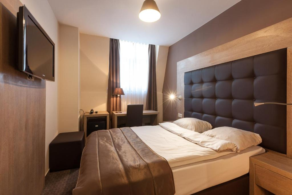 Hotel villa royale saint josse ten noode prenotazione for Villa royale