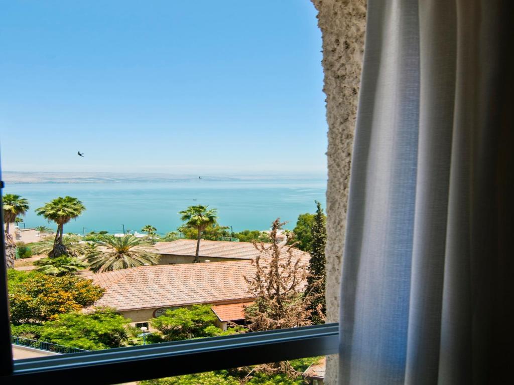 צעיר מלון דירות גלבוע בטבריה (ישראל טבריה) - Booking.com XR-18