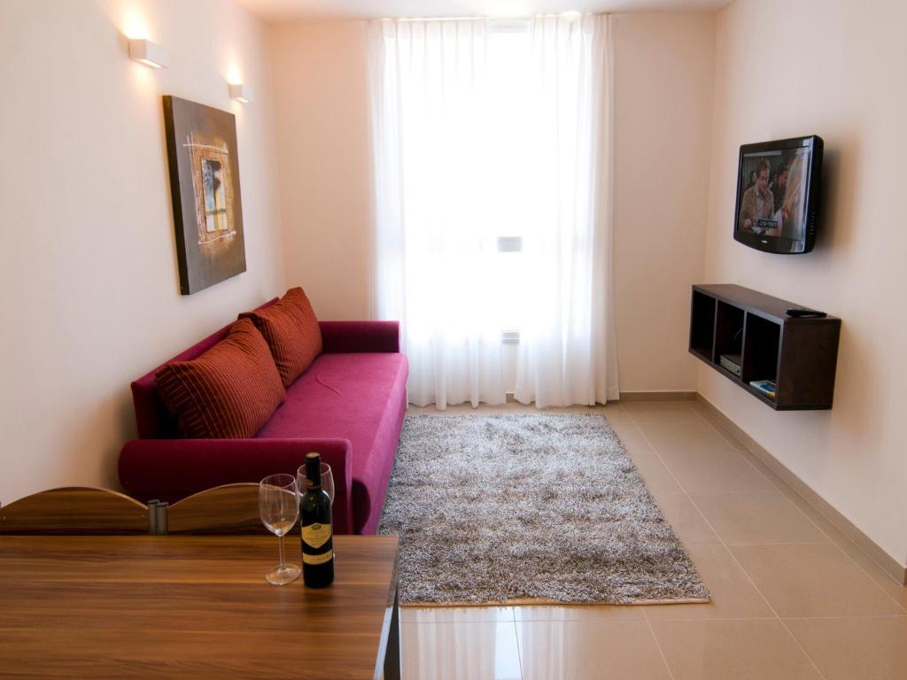 מדהים מלון דירות גלבוע בטבריה (ישראל טבריה) - Booking.com XJ-68
