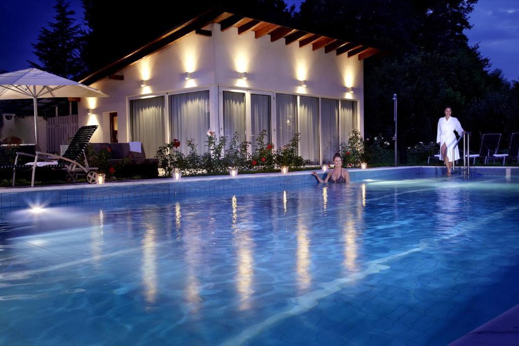 Clarion hotel hirschen freiburg r servation gratuite sur for Freiburg piscine