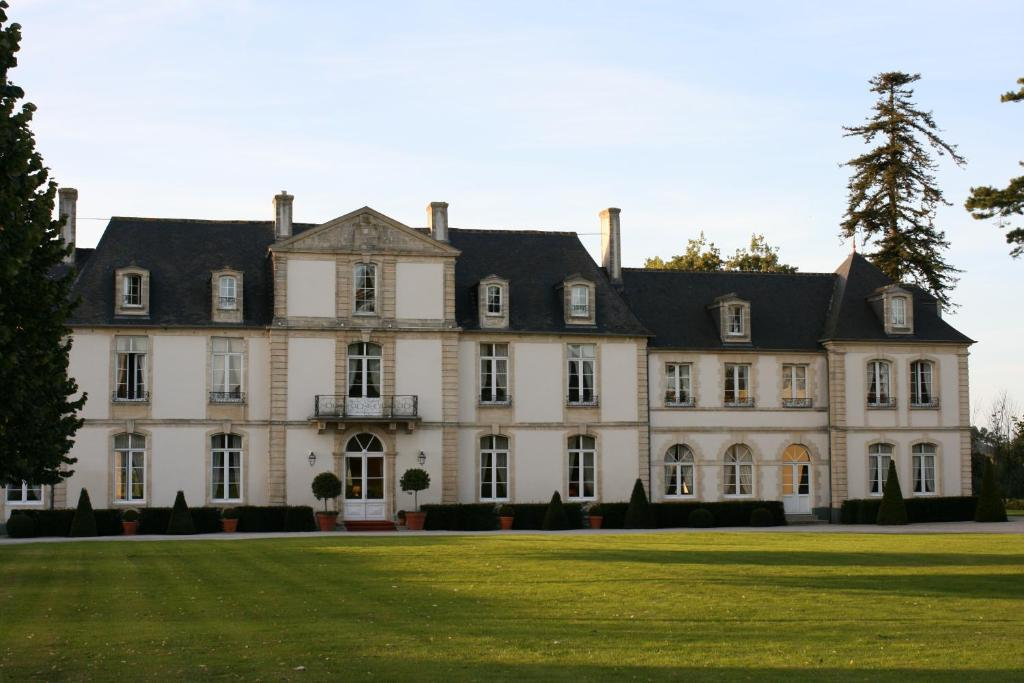 Hotel Chateau De Sully Sully France