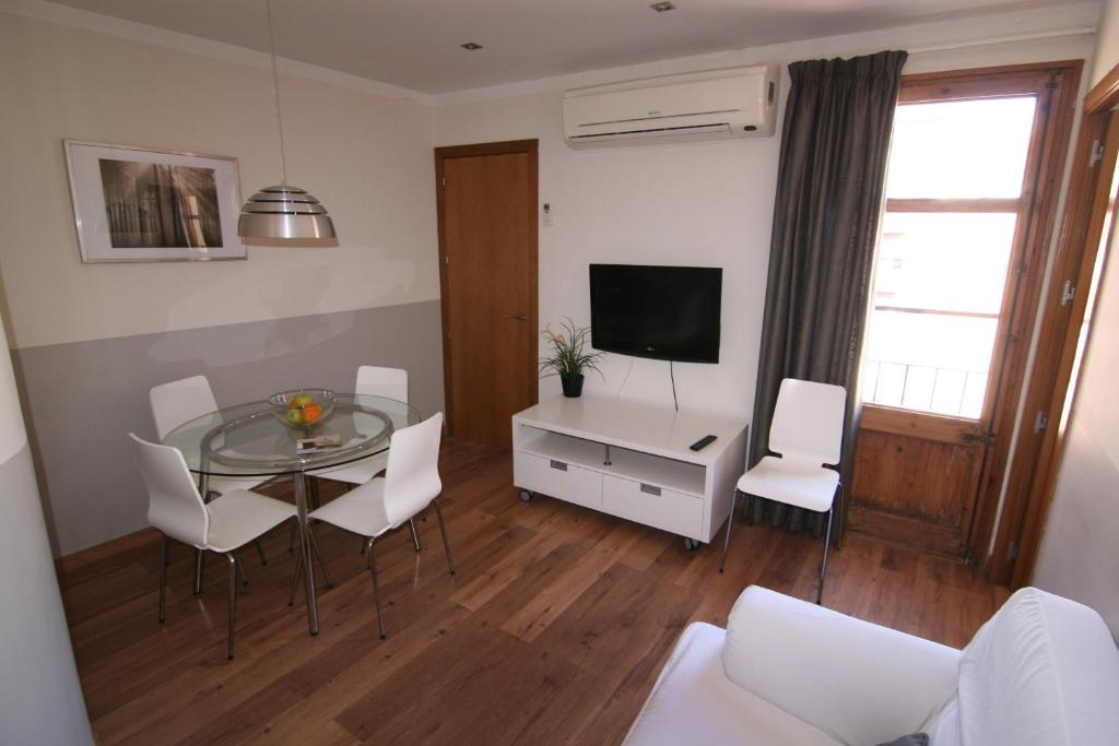 Apartamentos atica barcelona online booking viamichelin - Apartamentos en barcelona booking ...