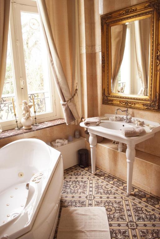 Chambres d 39 h tes le castel des anges chambres d 39 h tes wailly beaucamp - Chambres d hotes sausset les pins ...