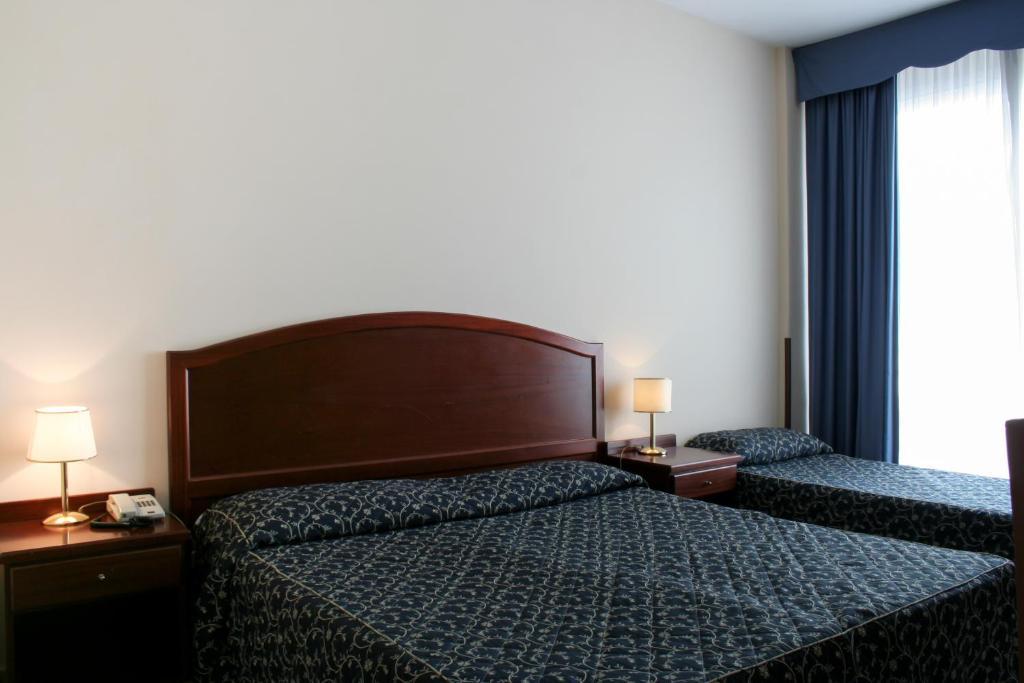 Hotel mediterraneo civitavecchia reserva tu hotel con for Hoteles familiares mediterraneo