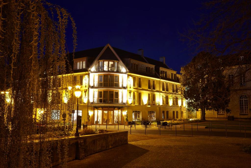 Bayeux Hotels With Parking