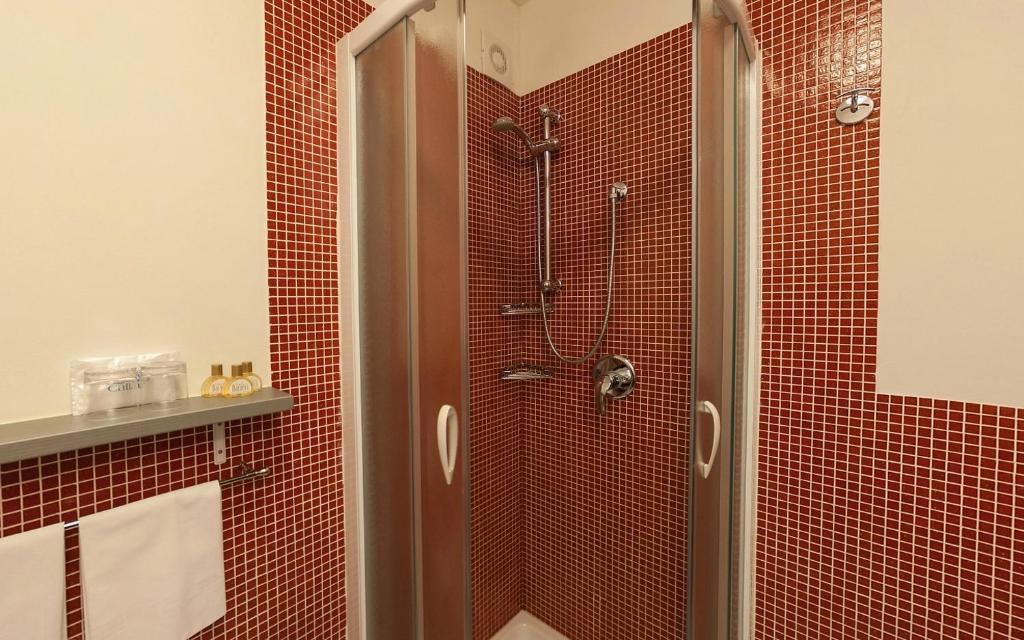Residence baranci italia san candido - Residence a san candido con piscina ...