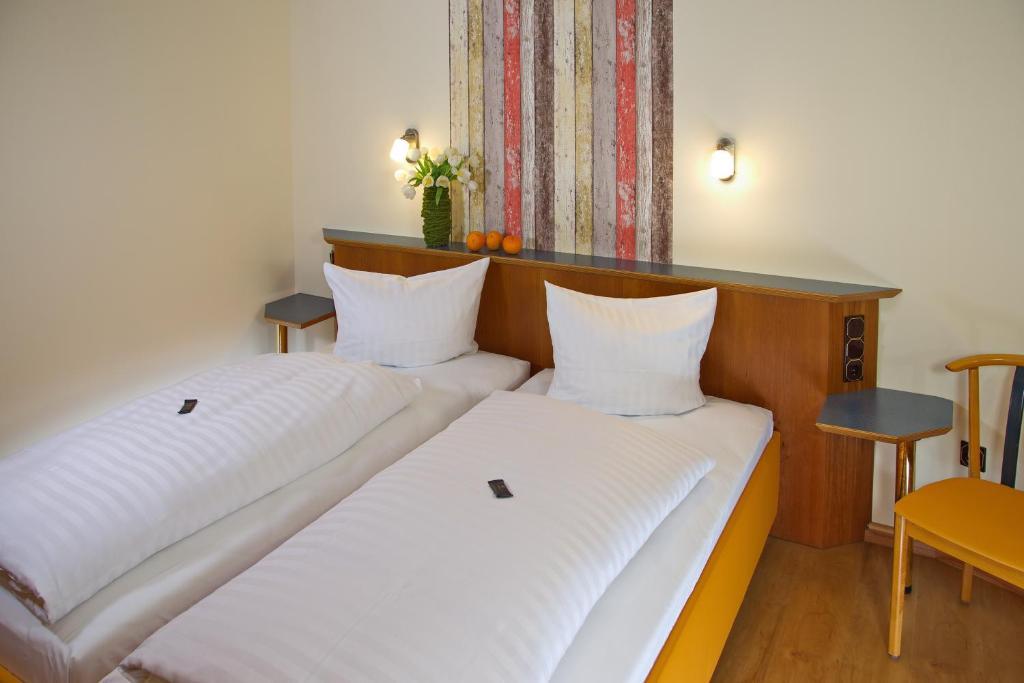 Stadtcaf hotel garni hammelburg informationen und for Interieursuisse stellen