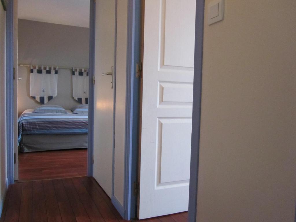 Chambres d 39 h tes couleurs de mer cancale viamichelin for Chambre d hote cancale