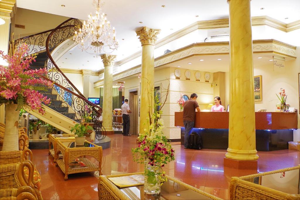 Khách sạn The Spring