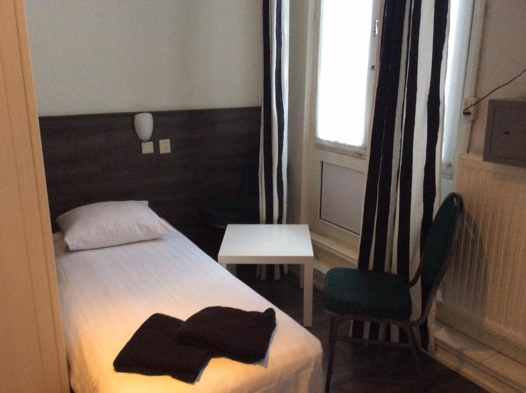 Budget Hotel Barbacan Amsterdam Book Your Hotel With