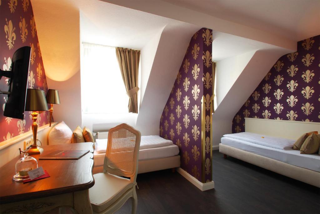 hotel domspitzen cologne book your hotel with viamichelin. Black Bedroom Furniture Sets. Home Design Ideas