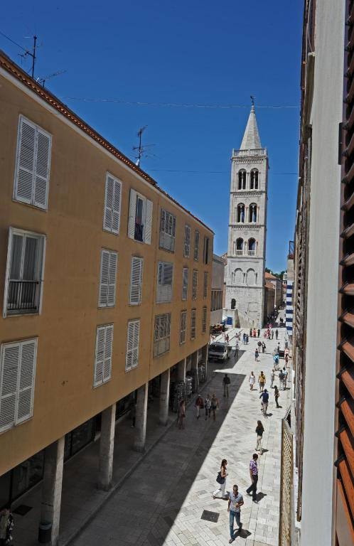 Tinel rooms old city center zadar book your hotel with for Hotels zadar