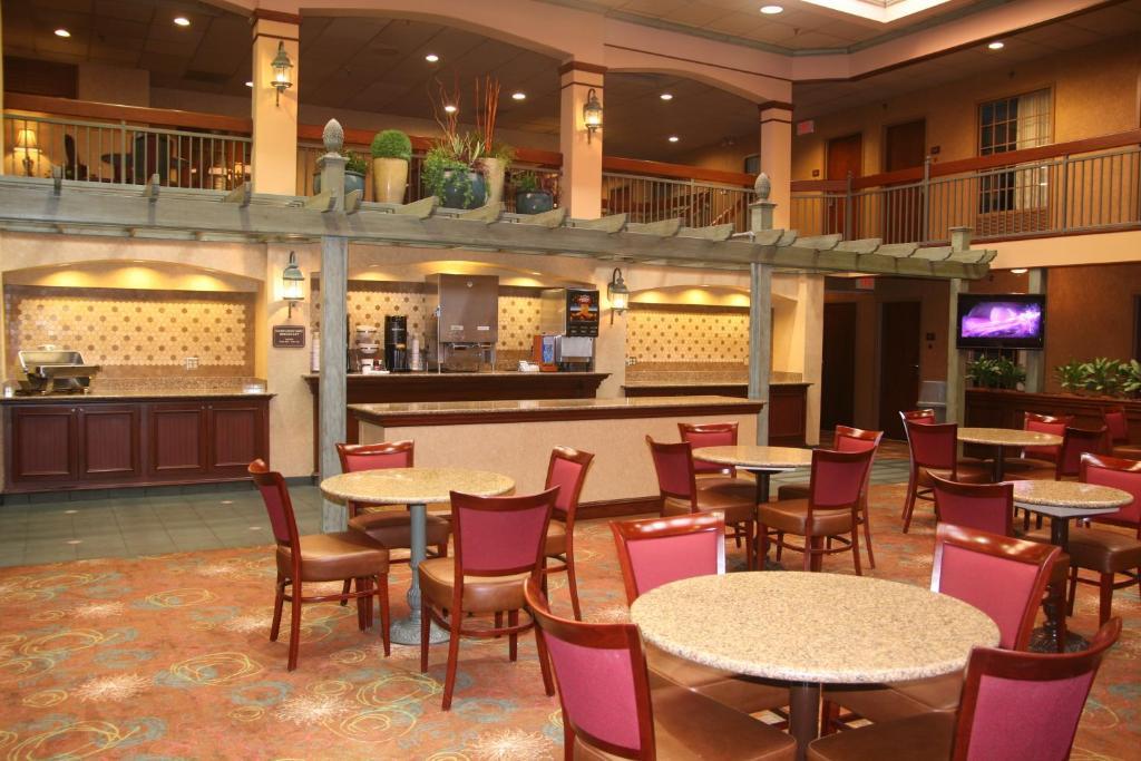 auburn place hotel suites cape girardeau cape. Black Bedroom Furniture Sets. Home Design Ideas