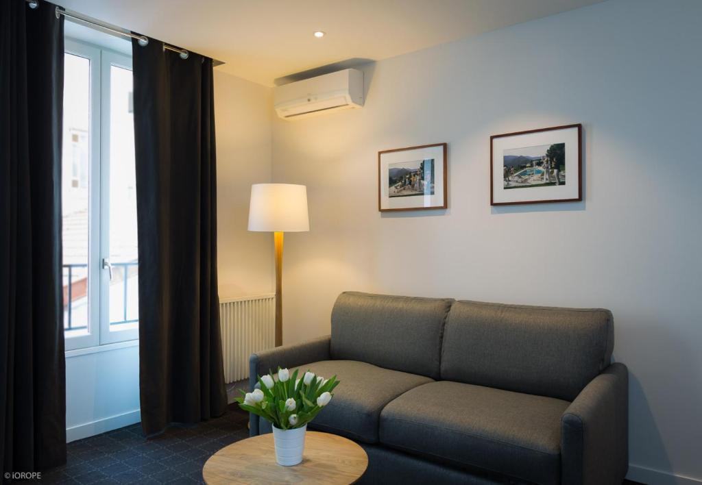 Hotel mirabeau eiffel paris informationen und for Hotels 75015