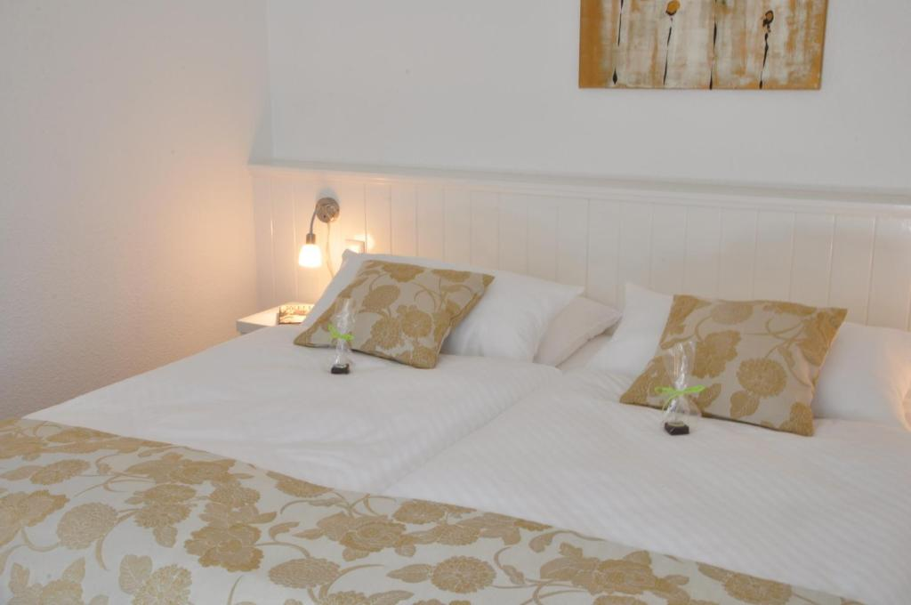Hotel Rackmers Hof Buurnstrat   Oevenum