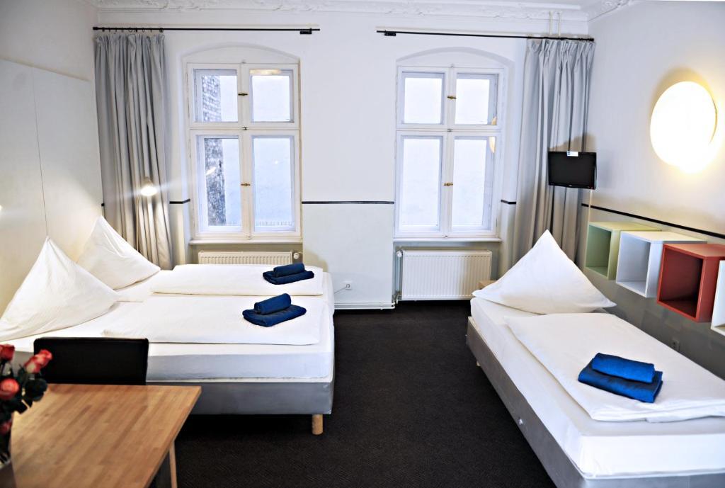 Alex hotel berlin book your hotel with viamichelin for 4 design hotel q berlin
