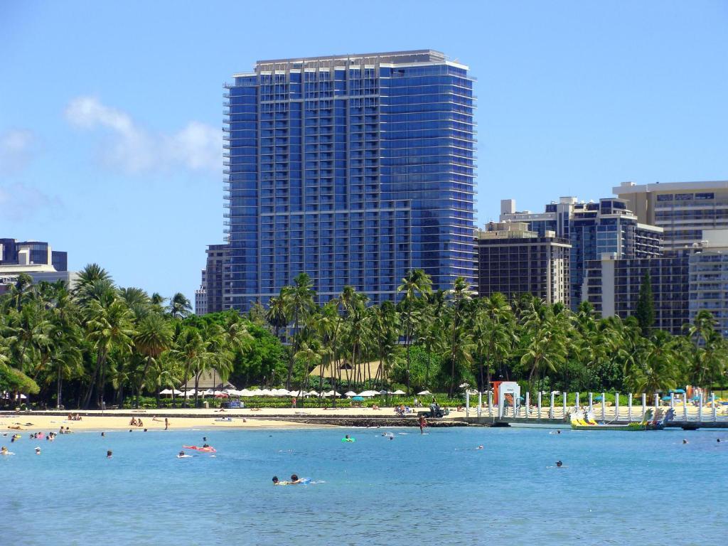 http://q-ec.bstatic.com/images/hotel/max1024x768/284/28498962.jpg