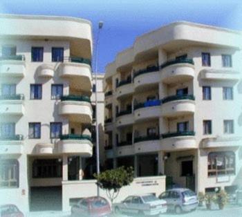Apartamentos mediterraneo nerja reserva tu hotel con for Hoteles familiares mediterraneo