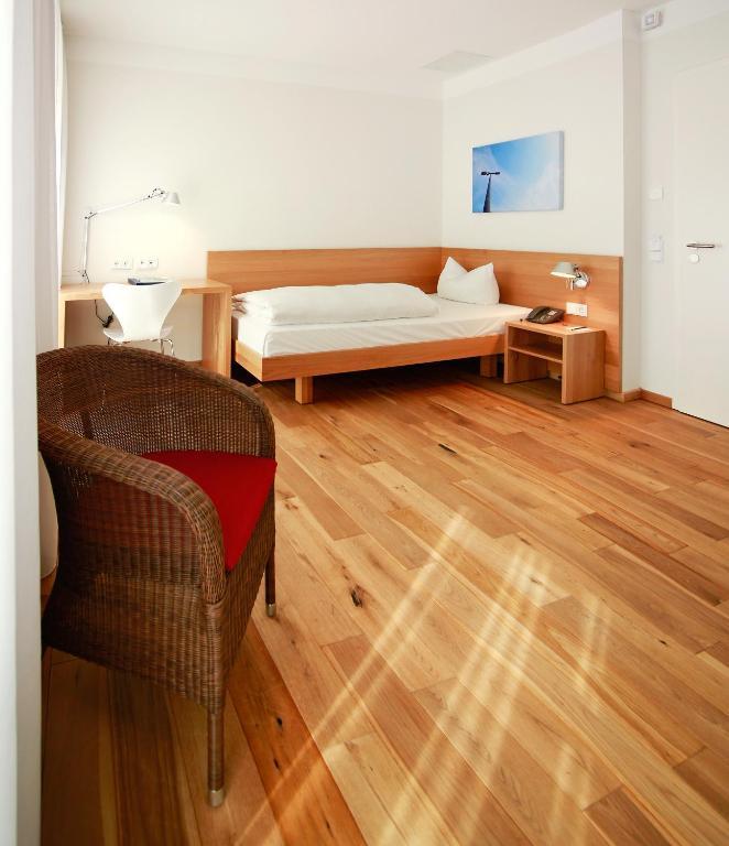 b o parkhotel bad aibling informationen und buchungen online viamichelin. Black Bedroom Furniture Sets. Home Design Ideas