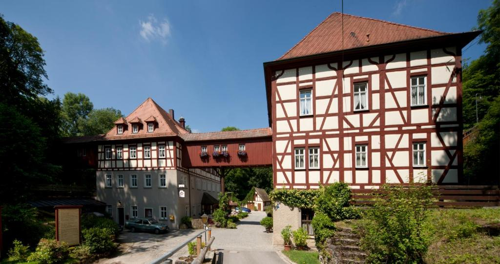 Burgbernheim in Germany: general information, weather, map, photo ...