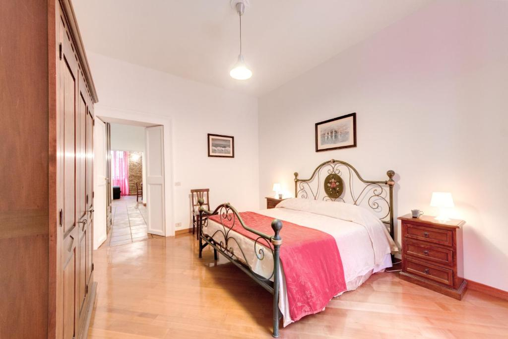 chambres d 39 h tes domus coronari chambres d 39 h tes rome. Black Bedroom Furniture Sets. Home Design Ideas