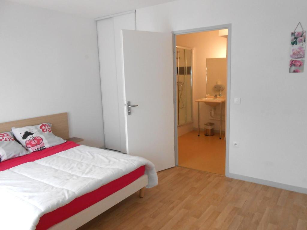 Appart hotel le patio d 39 argenton r servation gratuite for Reserver un appart hotel