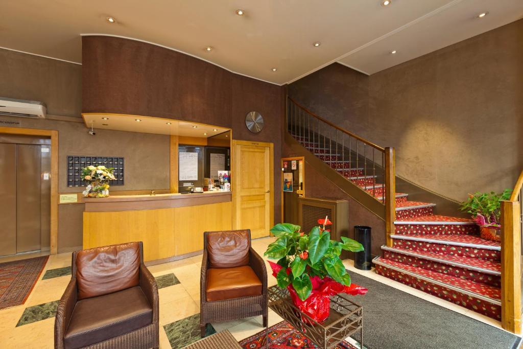 hotel du nord besan on online booking viamichelin. Black Bedroom Furniture Sets. Home Design Ideas