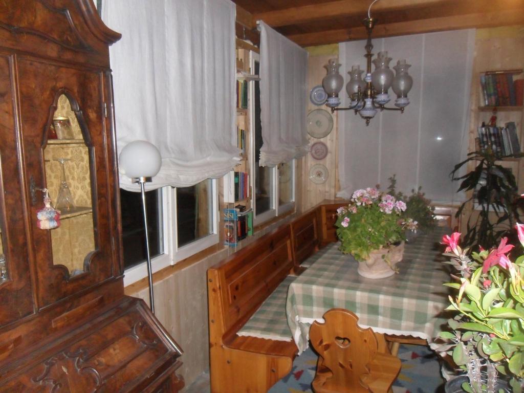Chambres d 39 h tes la vieille maison biselli chambres d 39 h tes tende - Chambre d hote la couvertoirade ...