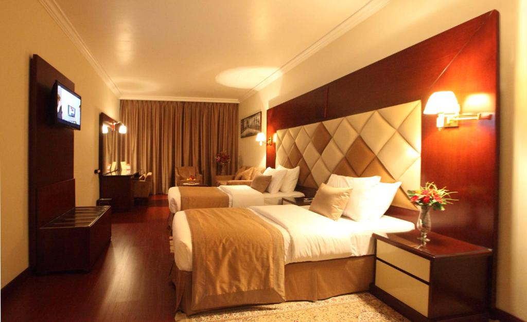 City star hotel dubai online booking viamichelin for Star hotels in dubai