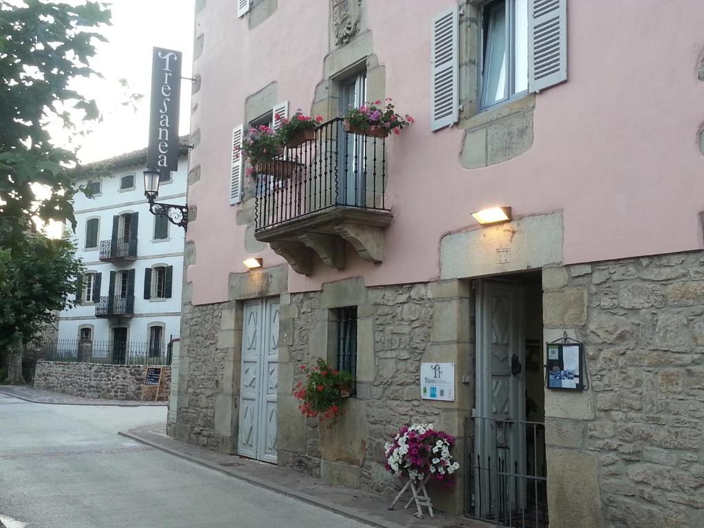 Tresanea Apartamentos (Espanha Ituren) - Booking.com