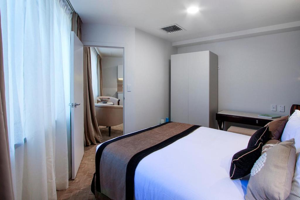 Vr Auckland City Hotel