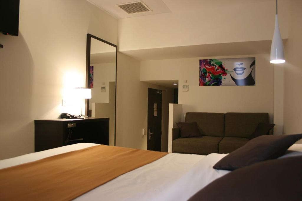 central hotel r servation gratuite sur viamichelin. Black Bedroom Furniture Sets. Home Design Ideas