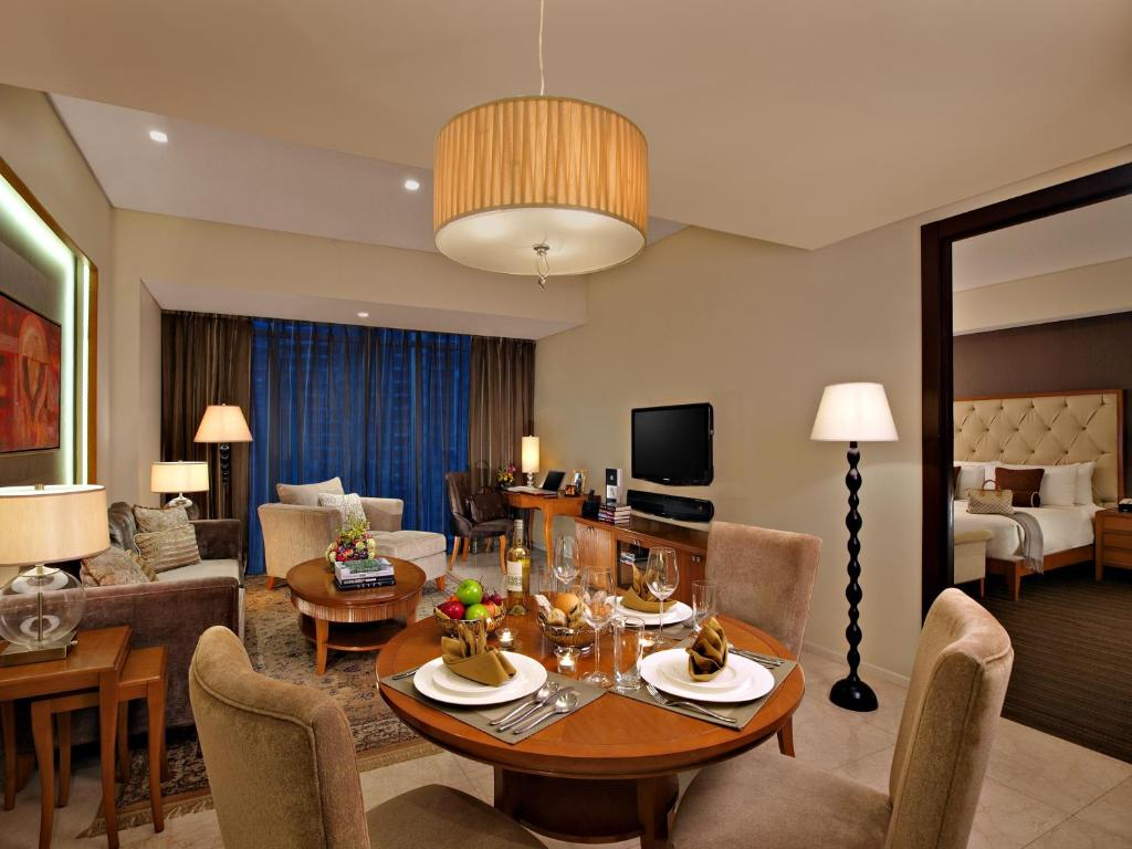 what hotel chains have 2 bedroom suites | scandlecandle