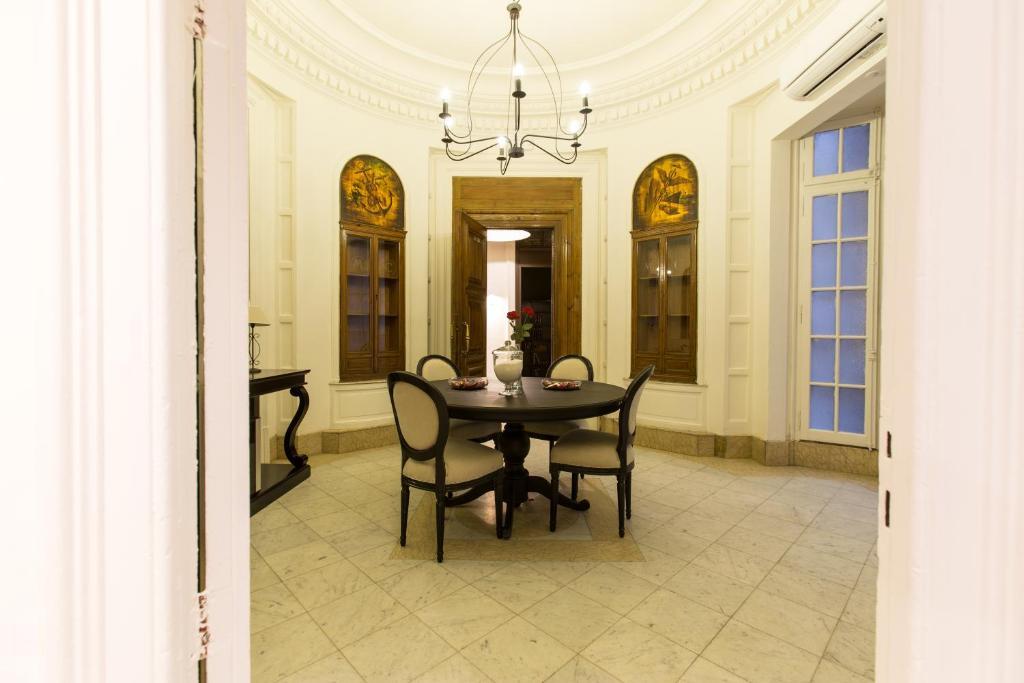 chambres d 39 h tes izaila plaza catalunya chambres d 39 h tes barcelone. Black Bedroom Furniture Sets. Home Design Ideas