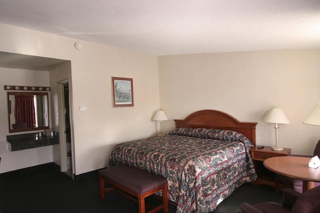 Landmark Motor Inn Glens Falls Book Your Hotel With