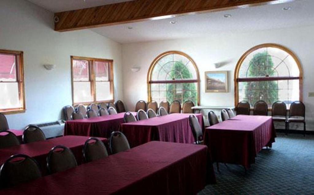 Landmark Motor Inn Glens Falls Reserva Tu Hotel Con