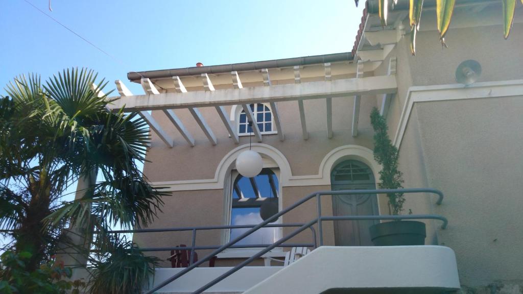 chambre d'hôtes villa les tilleuls, bed & breakfast millau