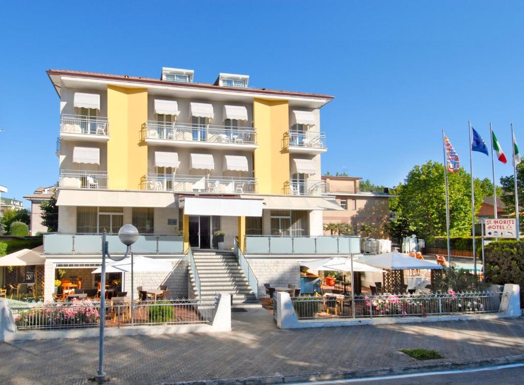 Hotel st moritz r servation gratuite sur viamichelin for Reservation gratuite hotel