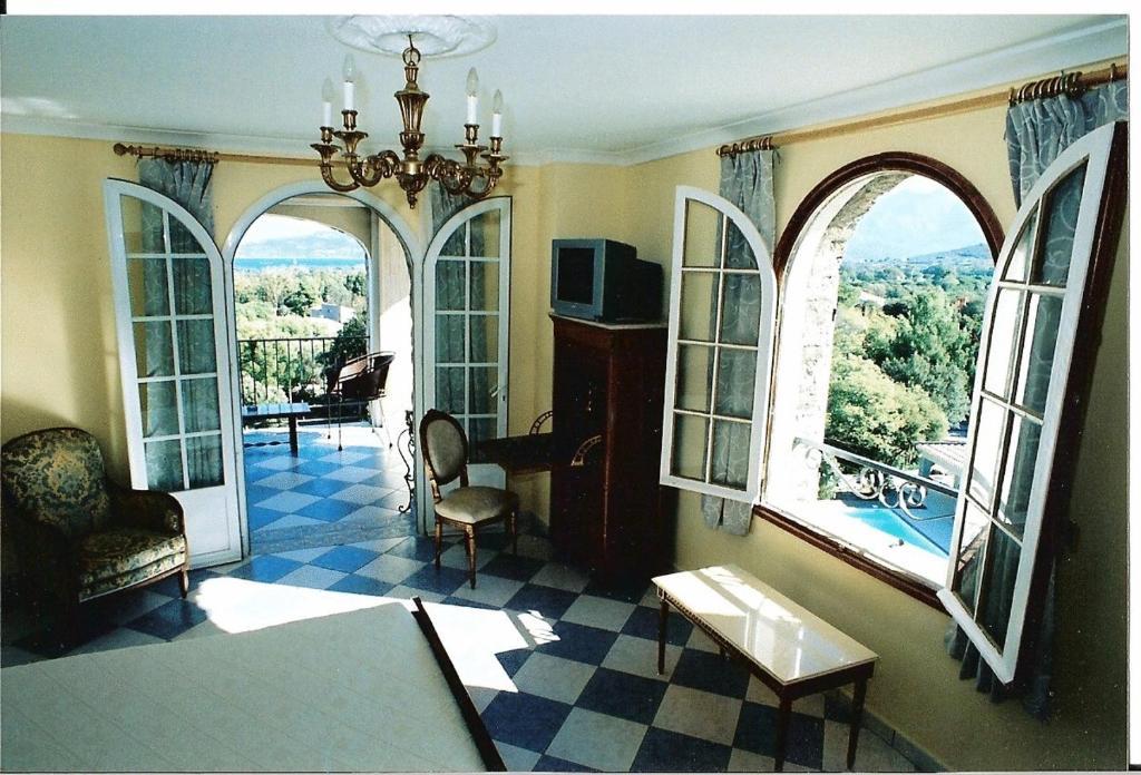 Chambres du0026#39;hu00f4tes The Manor, Chambres du0026#39;hu00f4tes Calvi