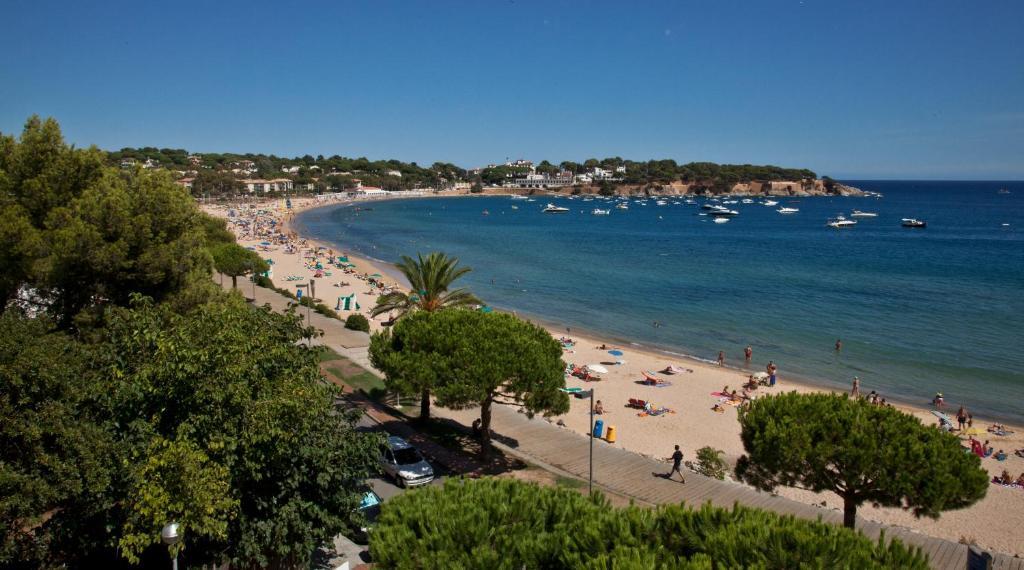 Van der valk hotel barcarola r servation gratuite sur - Sant feliu de guixols office du tourisme ...