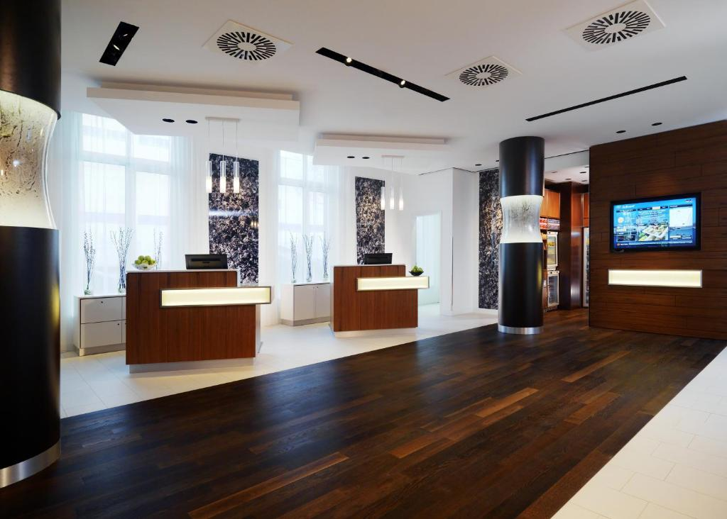 Courtyard By Marriott Cologne Cologne Book Your Hotel