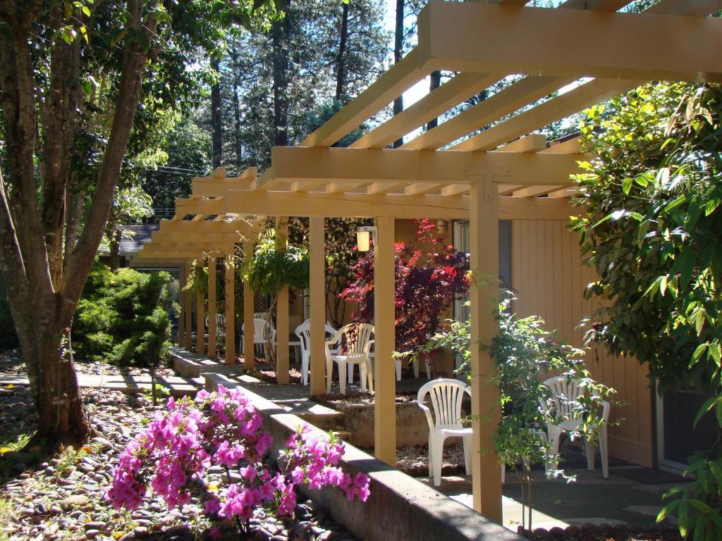 Ponderosa Gardens Motel Paradise Book Your Hotel With Viamichelin