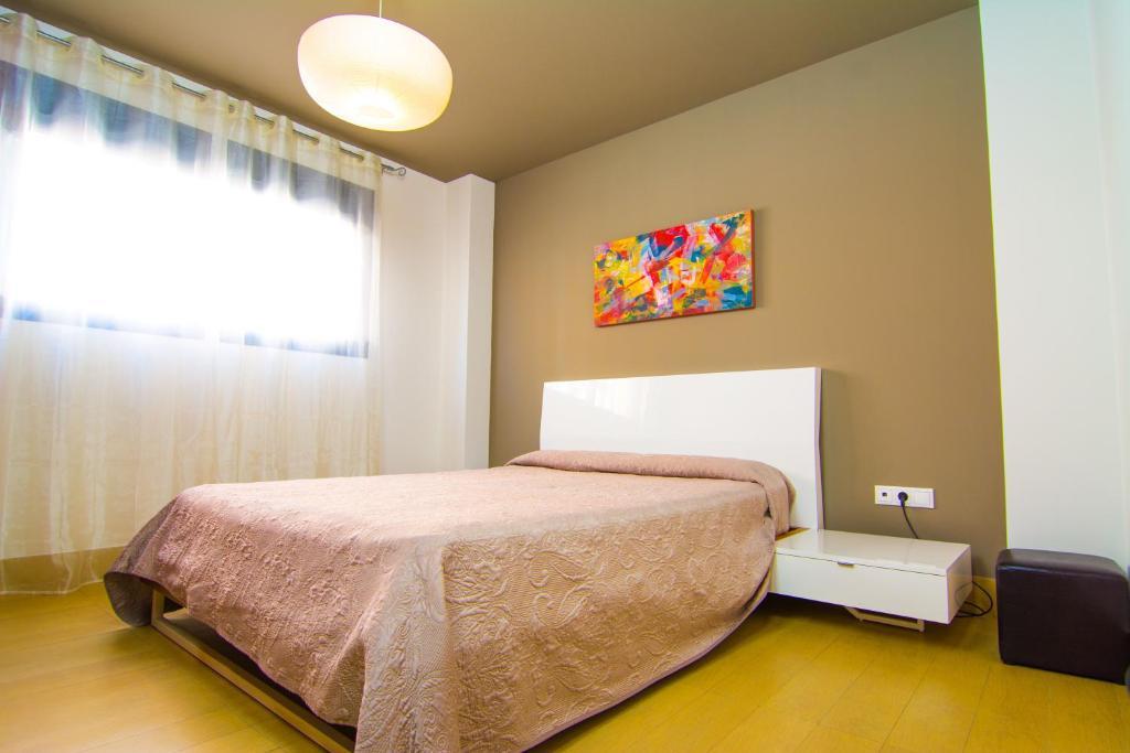 Apartamentos 16 9 suites almer a almer a reserva tu hotel con viamichelin - Apartamentos argar almeria ...