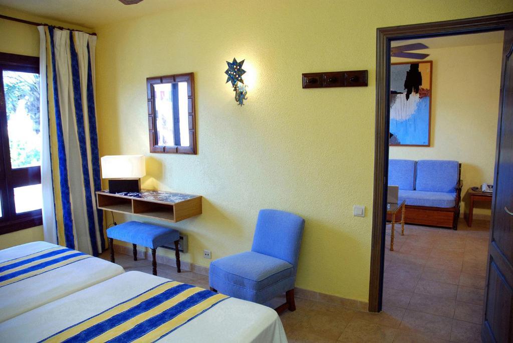 Hotel apartamentos londres la manga r servation gratuite sur viamichelin - Apartamentos en londres booking ...