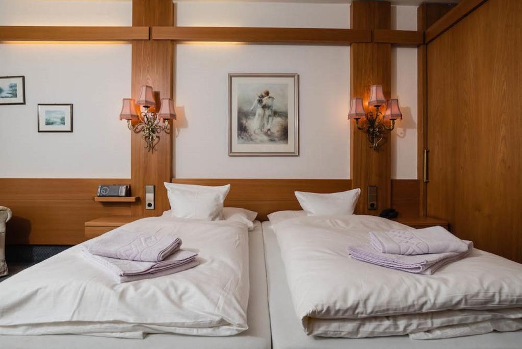 Kronen Hotel  Calw  Prenotazione Online  Viamichelin. Wilderness Lodge Lake Moeraki. Auberge Ostape. Hotel Marzia. Palace Hotel. Dorint An Den Thermen Freiburg. Quality Panorama Hotel. Nonantum Resort. Changbaishan Jilin Sengong Hotel